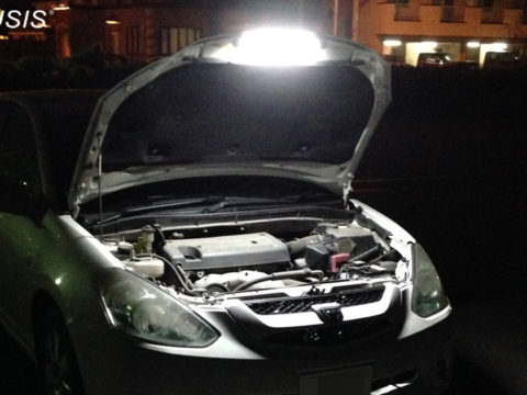 車中泊用ライト整備用ライト